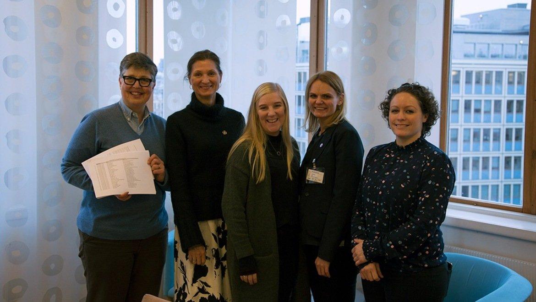 Ber norske myndigheter styrke arbeidet mot vold mot kvinner