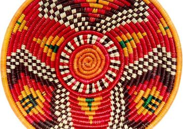 Ugandan women to the international marked with their crafts
